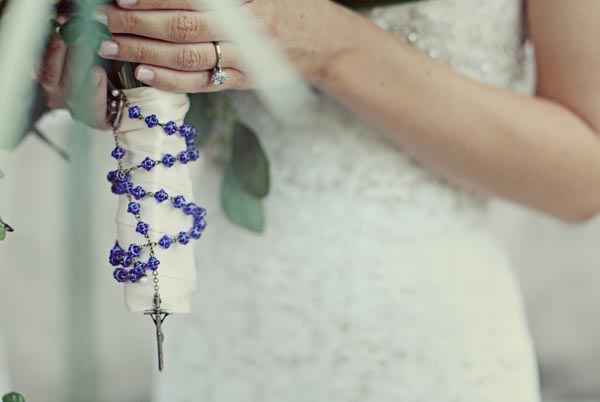 blue beads as wedding bouquet handle