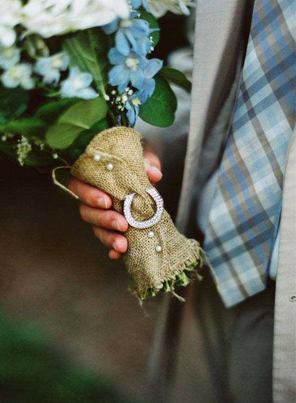 lucky horse shoe wedding bouquet