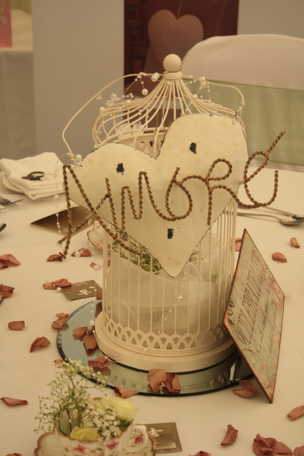 amore french love sign
