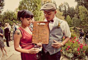 DIY wedding table plan wooden chopping board
