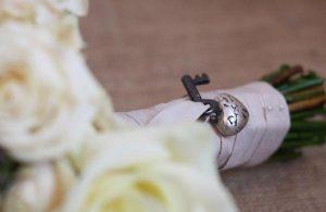 key wedding bouquet wraps