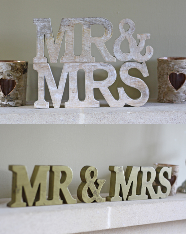 MR & MRS wooden sign free standing