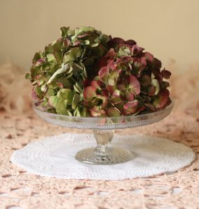 glass single tier cake stand table centre
