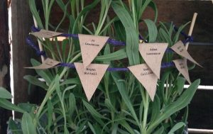 how to make mini paper bunting