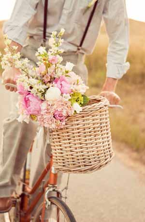 vintage wedding with bike bicycle