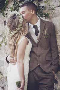 wedding hair flowers flower crown gypsophilia