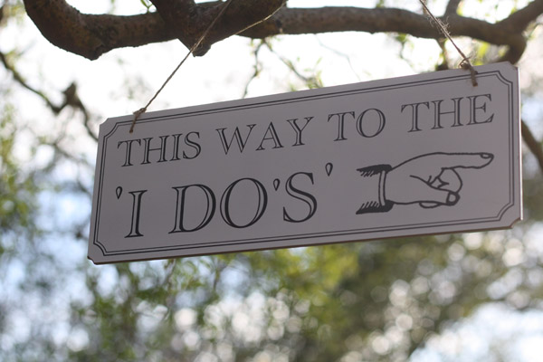 wedding sign this way to the I dos