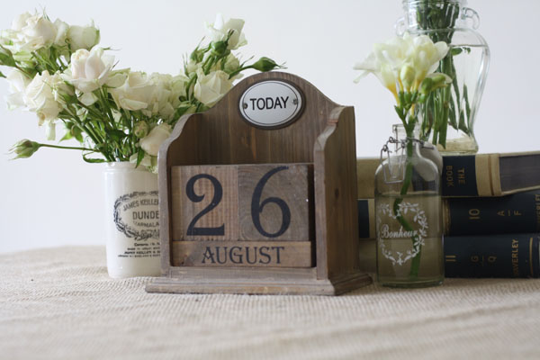 wooden calendar display the date of your wedding