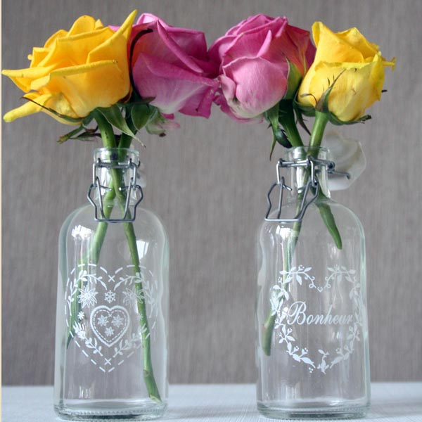 glass bottles wedding centrepieces