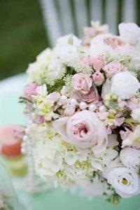 mint green and peach wedding inspiration (1)