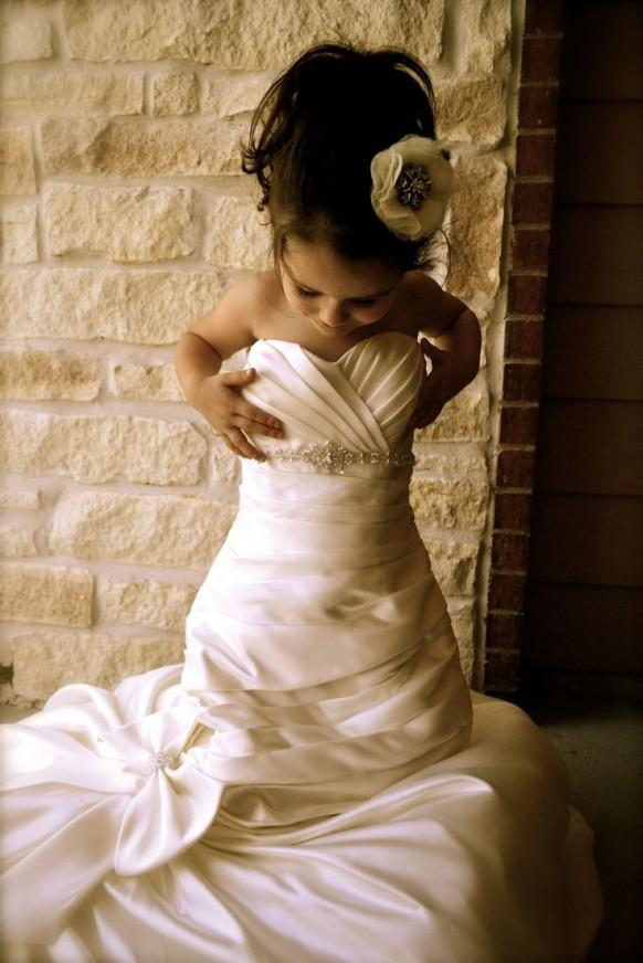 take a photo of your daughter in your wedding dress hide it and give it to her on her wedding day @theweddingomd