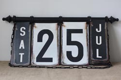 vintage perpetual flip calendar black and white to display your wedding date at your wedding