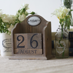 wooden perpetual calendar to display wedding date at your wedding