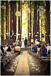 aisle runner made from hessian wedding ideas