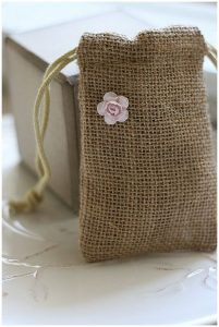 burlap favour bags or ouches for bridesmaids gifts hessian wedding ideas