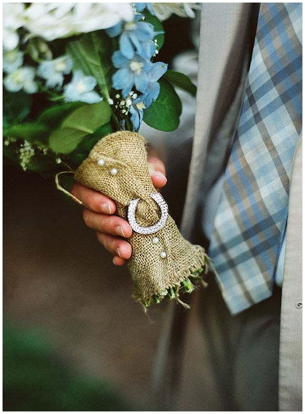 hessian wedding ideas bridal bouquet wraps and ribbons