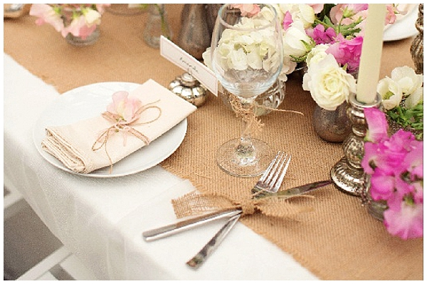 hessian wedding ideas wrap cuttlery with hessian ribbon