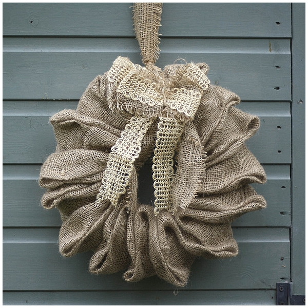 hessian wreath for wedding hangin decorations