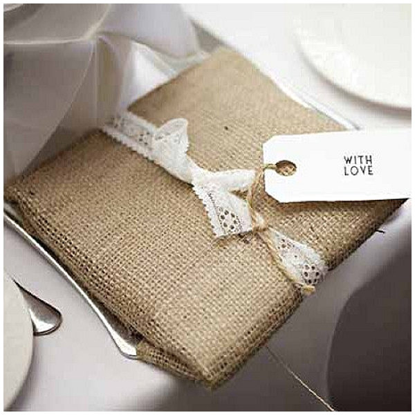 rustic gift wrapping use burlap and lace hessian wedding ideas