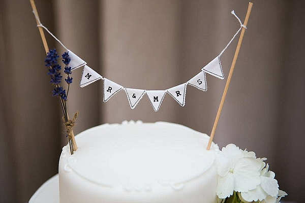 mr and mrs cake topper bunting white and black rustic wedding decorations