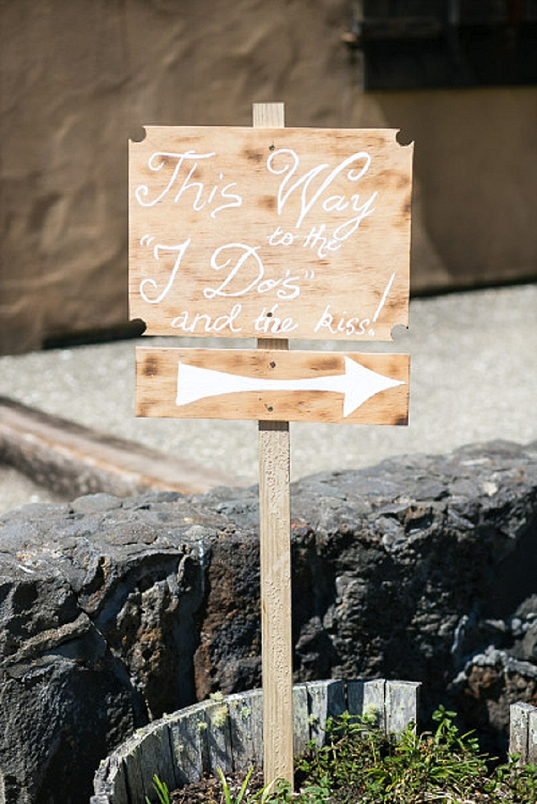 wedding ceremony signs ideas this way to the i dos and the kiss
