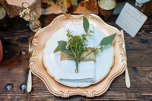 Bronze-Gold-Place-Settings-The-Wedding-of-my-Dreams
