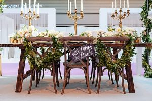 The-Wedding-of-my-Dreams-Here-Comes-The-Bride-Signs