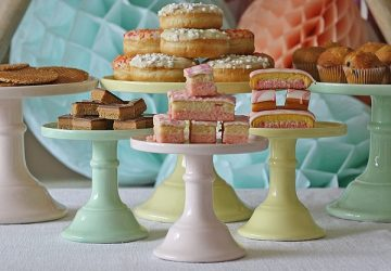 cake plates cake stands pastel colours wedding dessert tables