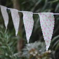 blush pink wedding ideas floral bunting