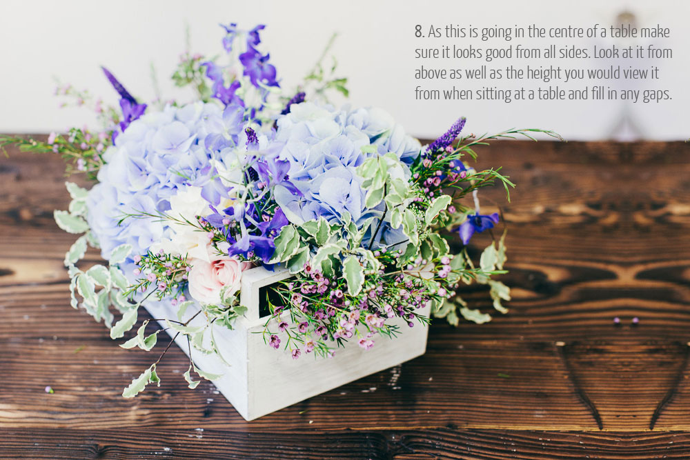 how to make a centrepiece in a wooden crate for weddings