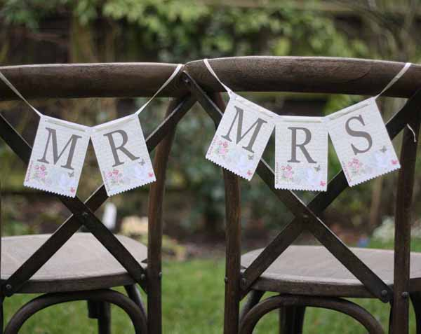 mr and mrs sign pretty floral