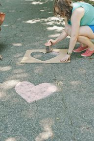 chalk hearts down the aisle for an outdoor ceremony