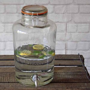 summer wedding decoration ideas cool down offer guests drinks from dispensers