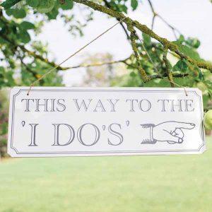summer wedding decoration ideas directional signs