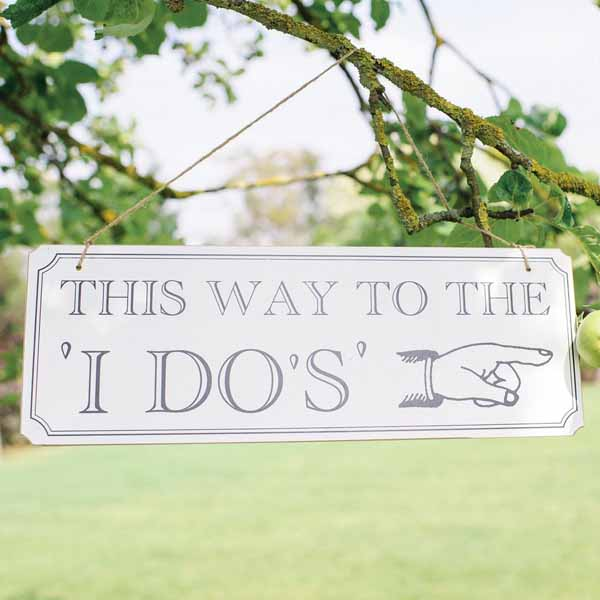 summer wedding decoration ideas directional signs