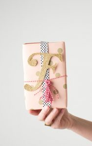 pretty ways to wrap bridesmaid gifts