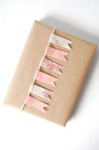 cute ways to wrap bridesmaids gift