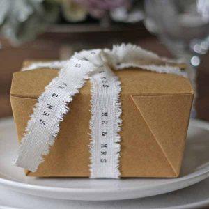 folding brown wedding favoiur box