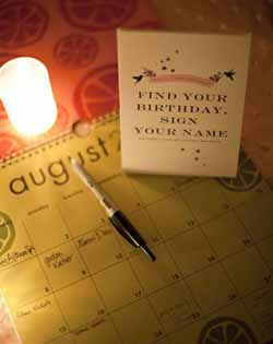 ask guests to write a note on their birthdays on a calendar wedding guest book ideas