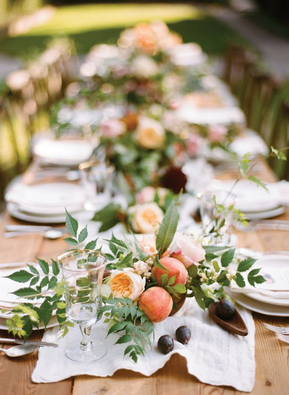 coral wedding table styling and centrepieces