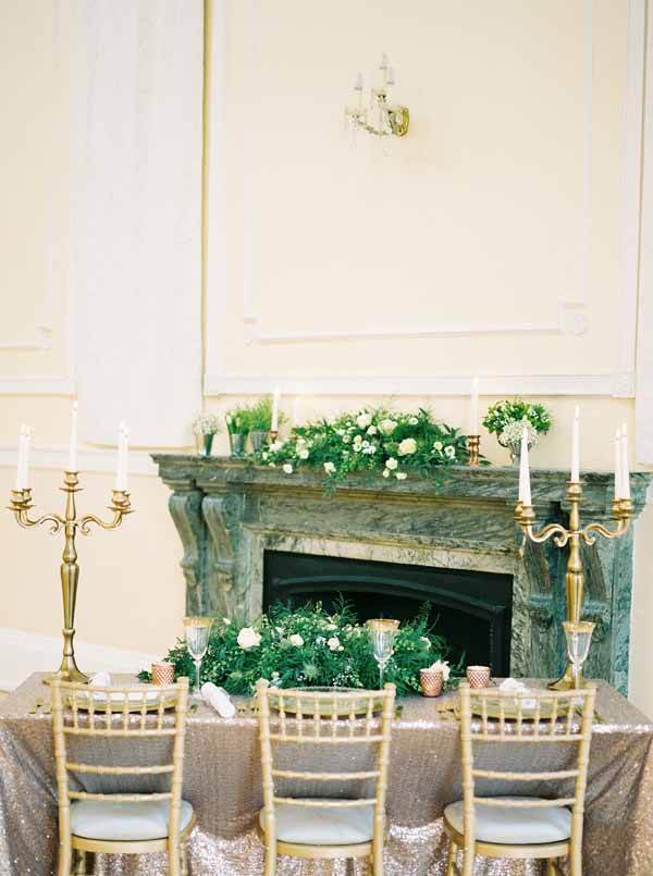 gold and bronze wedding table decoration ideas gold candelabra bronze glitter table cloths (1)