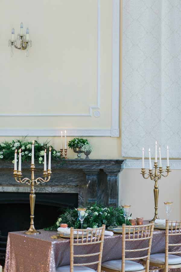 gold and bronze wedding table decoration ideas gold candelabra bronze glitter table cloths (2)