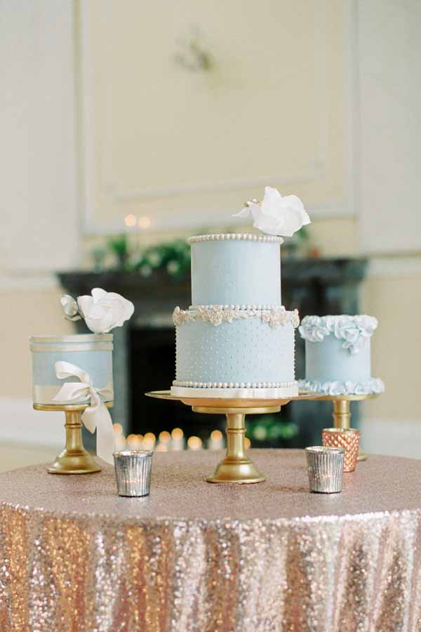 gold and copper wedding cake table glitter table cloth gold cake stands bronze tea light holders (2)