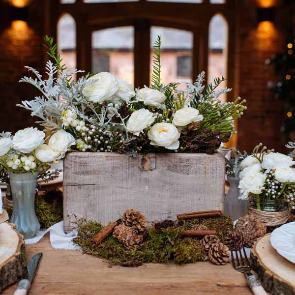 reclaimed_wooden_box_centrepiece