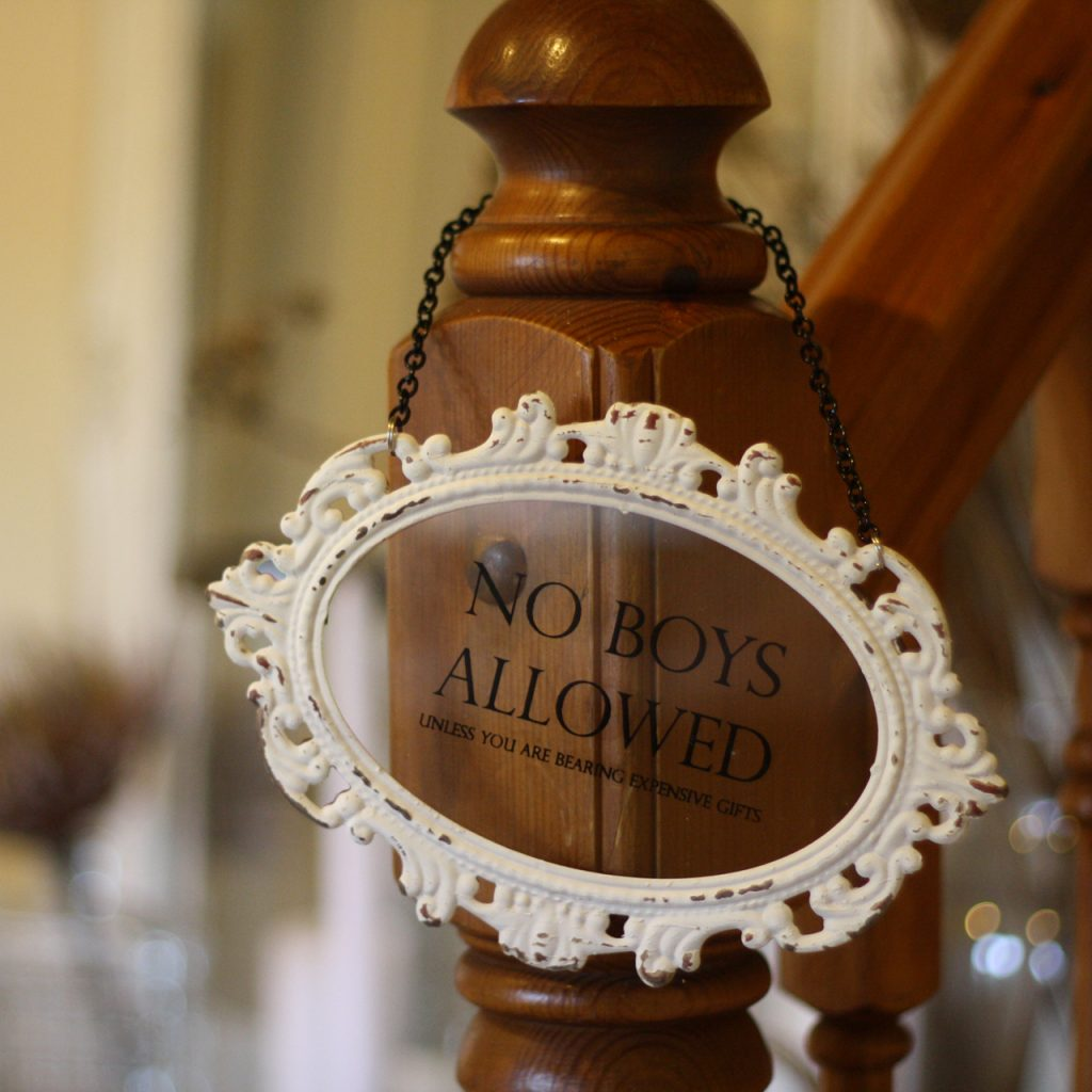 No boys allowed sign - perfect for the bridal dressing room - available from @theweddingomd