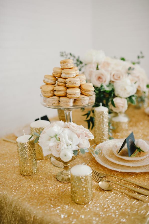 gold glitter wedding table cloth - metallic wedding ideas