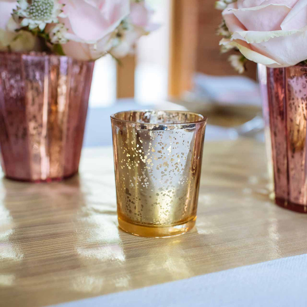 gold-tea-light-holders-by-@theweddingomd-metallic-wedding-ideas