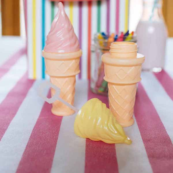 blowing-bubbles-in-the-shape-of-an-ice-cream-perfect-for-childrens-wedding-activities-available-from-@theweddingomd