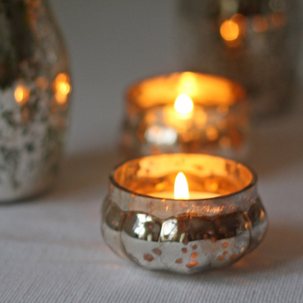 Small mercury silver tea light holders available from @theweddinomd