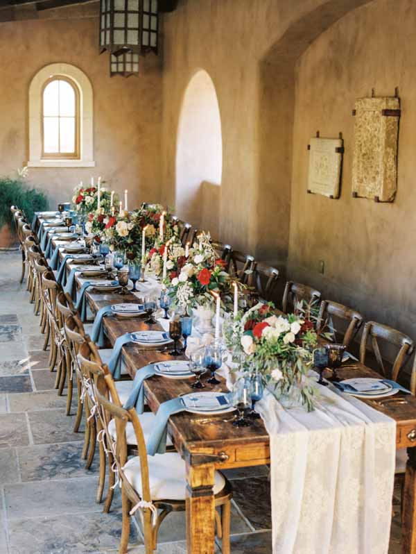 beautiful cotton table runners on guest tables at weddings create a feeling of rustic elegance (2)